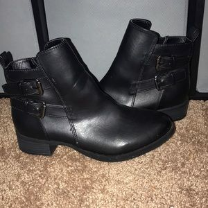 Black old navy ankle boots